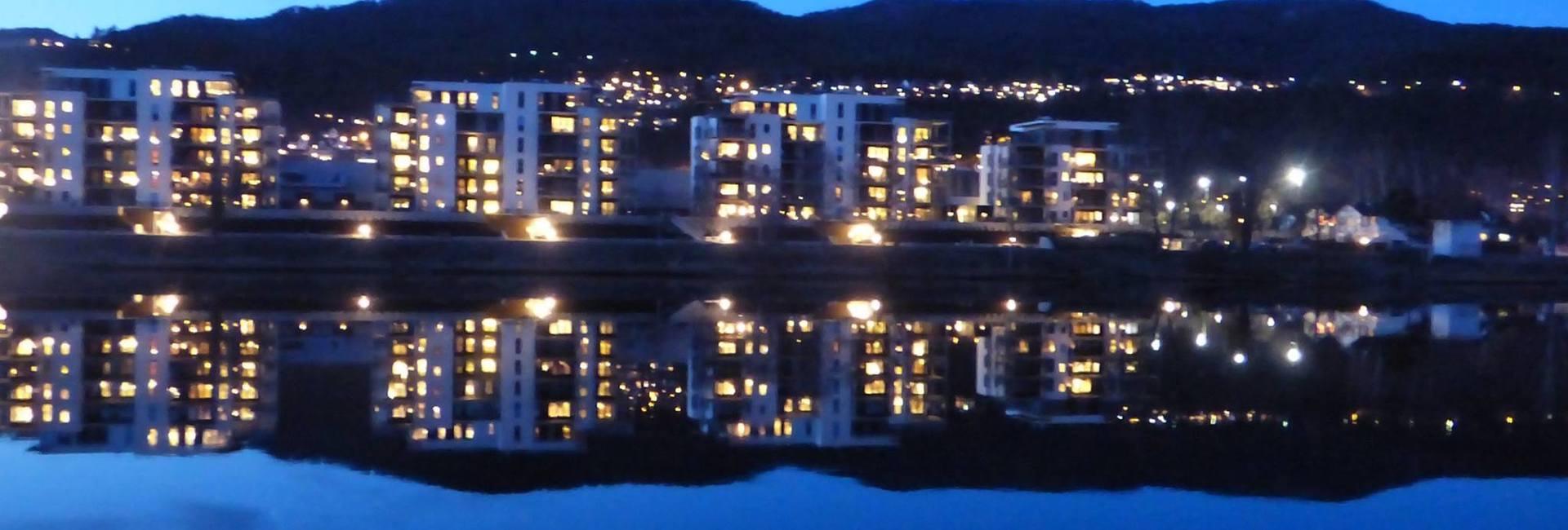 by night 2.jpg