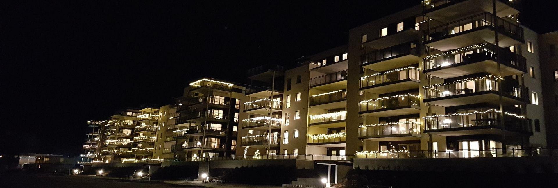by night 3.jpg